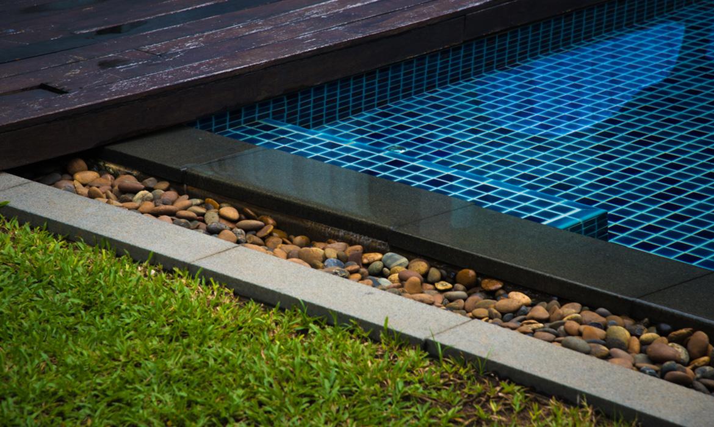 Benefits of using turf around your pool